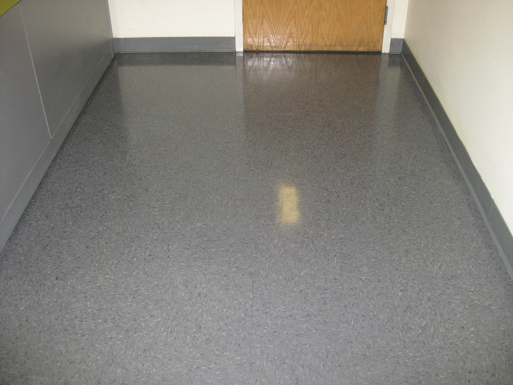Sheet-Vinyl-Floor-Just-Waxed-WA